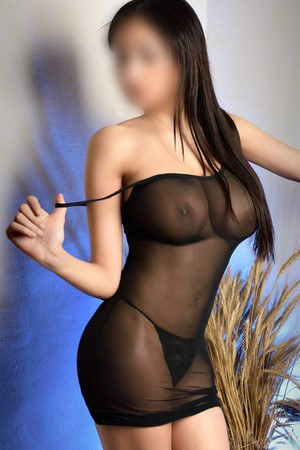 Yazmine spanish escort in Barcelona
